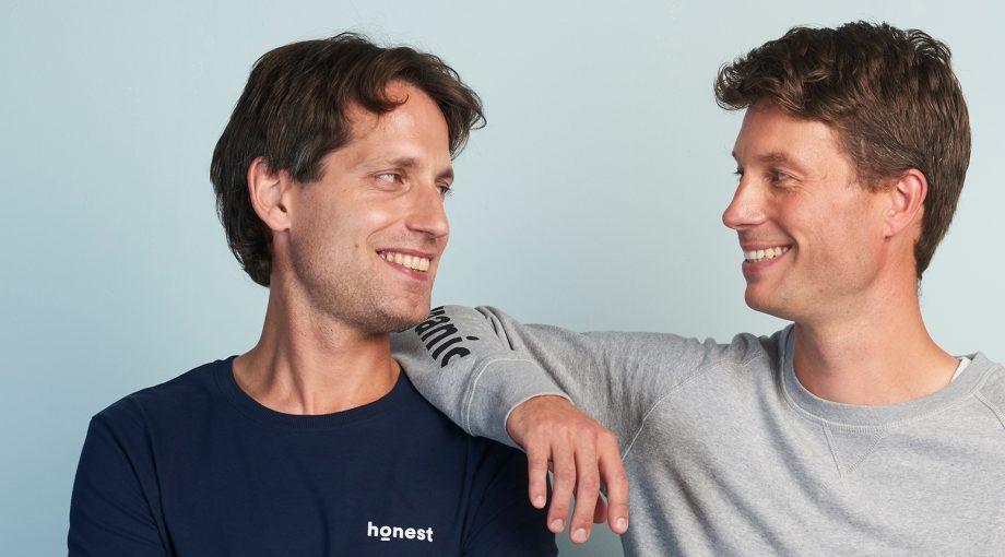 Links op de foto Jochem Hes en rechts Sjoerd Trompetter, de oprichters van Naïf