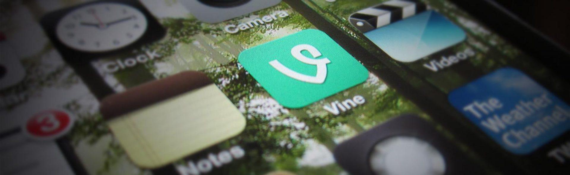 PR kan je op verschillende manieren inzetten. Social media, kranten, je eigen website: het zijn allemaal middelen om te communiceren met je doelgroep.